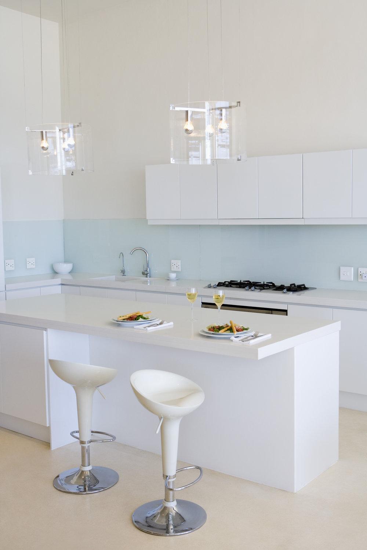 Office en una cocina peque a decoraciones g mez for Cocina office pequena
